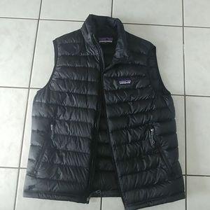 Patagonia mens puffy vest black sz. M